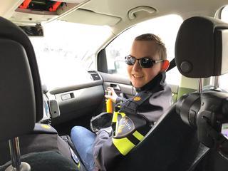 Dylan (16) mag mee met arrestatieteam