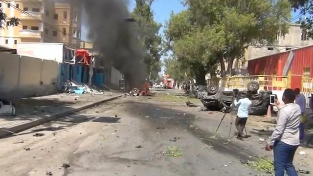 Drie doden door autobom bij restaurant Somalië