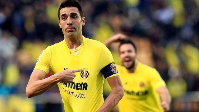 Villarreal stijgt naar vierde plek door nipte zege op Valencia