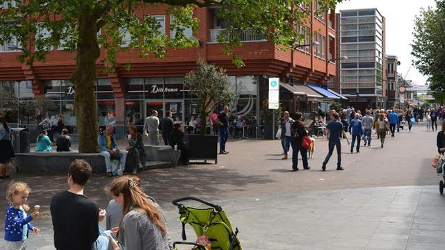 Winkeliers aan Rijnplein gaan nu iedere zondag open