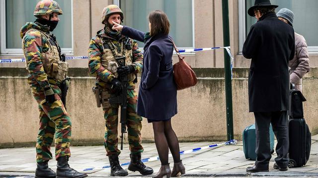 比利時軍人將繼續數月時間在街頭和重要場所站崗警戒