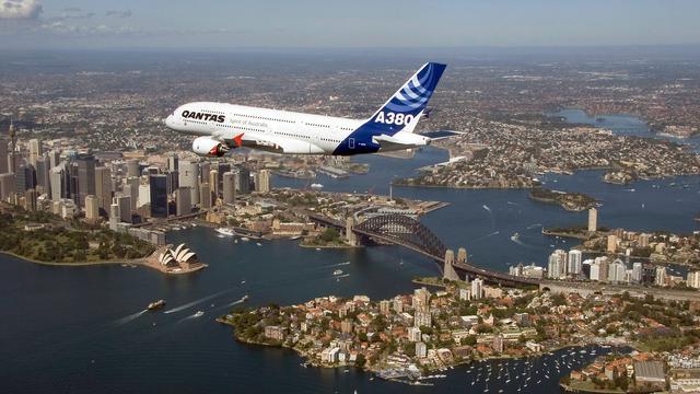 Australiër verstoort radiocontact met vliegtuigen en riskeert straf
