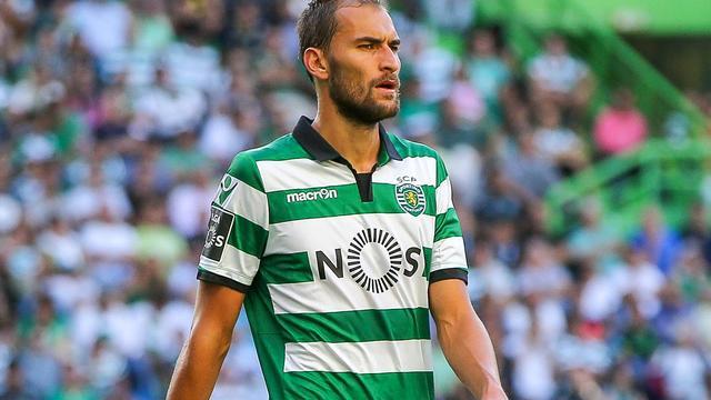 Dost en Zeegelaar spelen gelijk met Sporting, Cavani helpt PSG aan winst