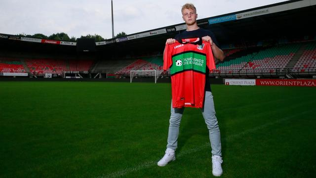 Transferupdates: Feyenoord stalt Jari Schuurman bij degradant NEC