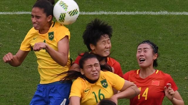 Braziliaanse vrouwen openen olympisch voetbaltoernooi met 3-0 zege