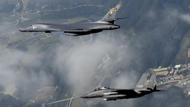 Amerikaanse bommenwerpers intimideren Noord-Koreanen
