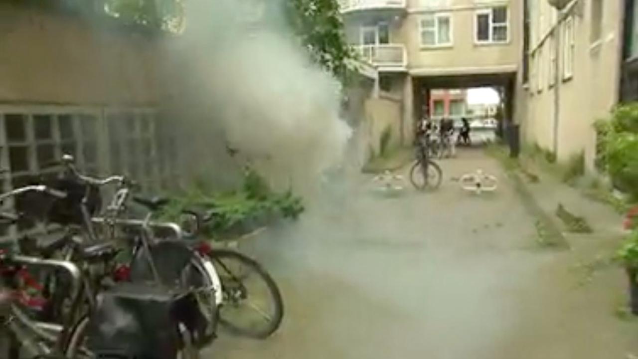 Vuurwerkbom gegooid naar SBS-cameraploeg