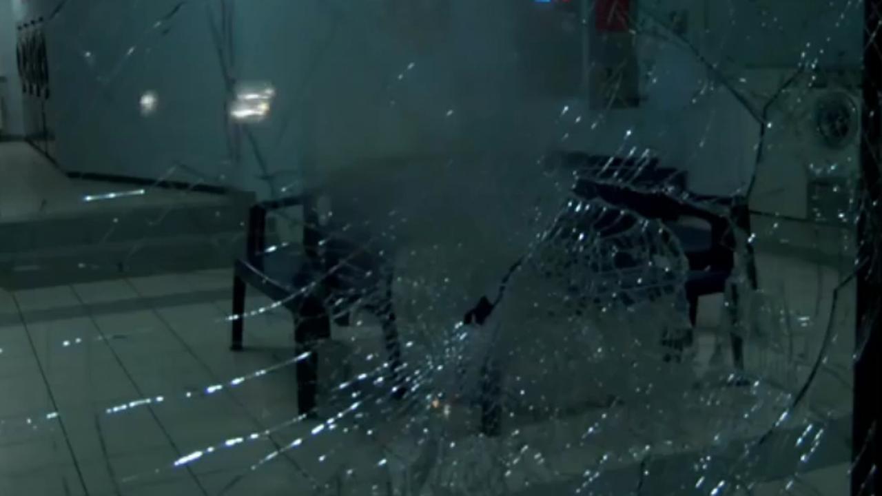 Vernielingen door extreemrechtse hooligans bij demonstratie