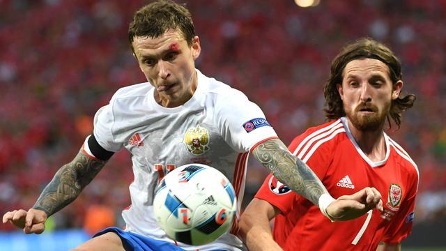 Russische spelers bestraft na feest met champagne