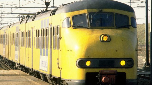 Man overlijdt na aanrijding met trein in Bergen op Zoom