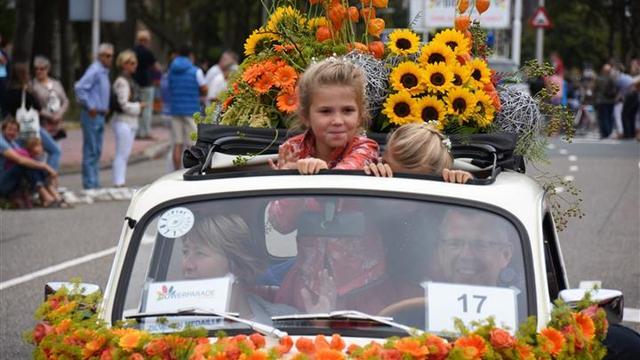 Tienduizenden toeschouwers voor Flower Parade Rijnsburg