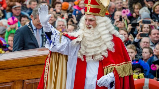 Amsterdammer opgepakt voor opruiende tekst sint-intocht