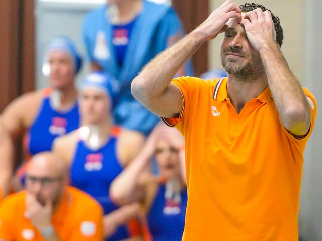 Waterpolosters na verlies op WK veroordeeld tot tussenronde