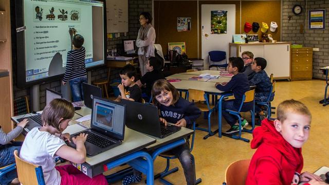 Alle leerlingen De Cortendijck krijgen iPad