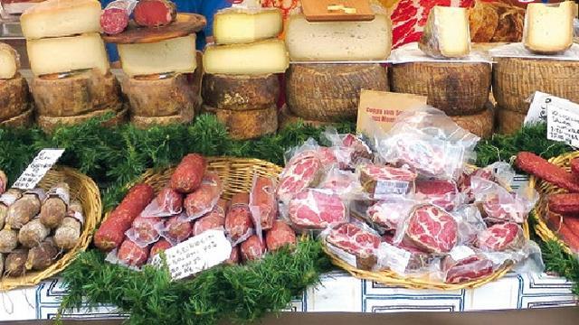 Vier dagen Italiaanse markt op het Alphense Rijnplein