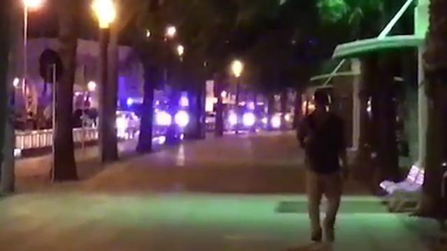 Burgers duiken weg voor politieschoten tijdens antiterreuractie Cambrils