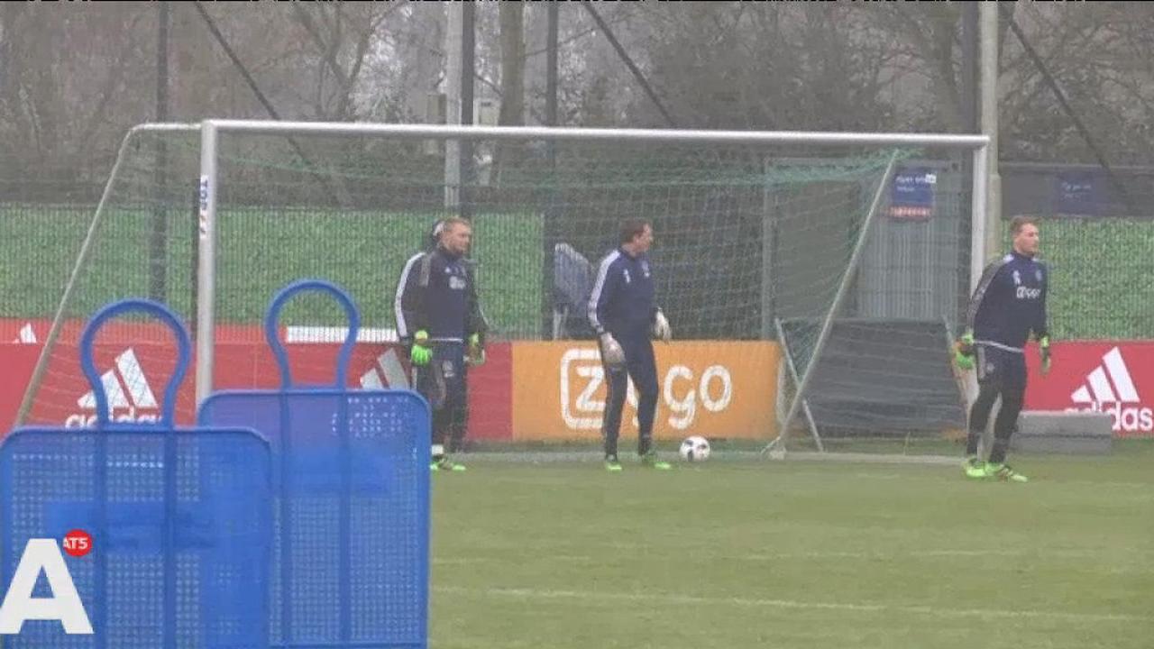 Veltman passeert drie doelmannen met afstandsschot op trainingsveld