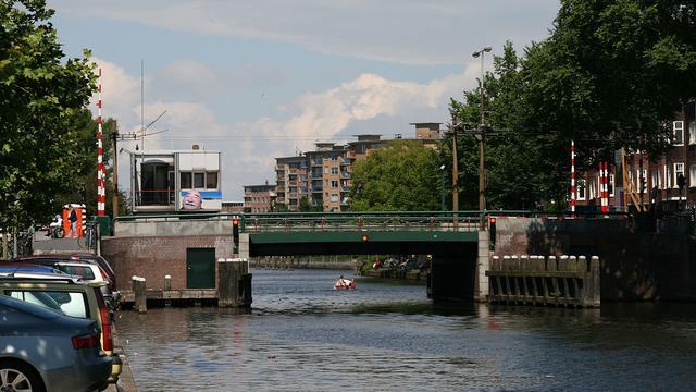Defecte Wiegbrug funest voor scheepvaartbedrijven