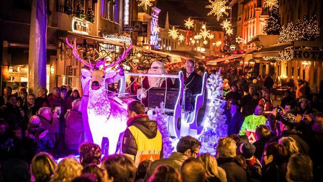 Dagje Valkenburg tijdens kerstparade voor 10 euro