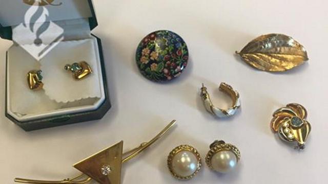 Politie zoekt eigenaar gevonden sieraden