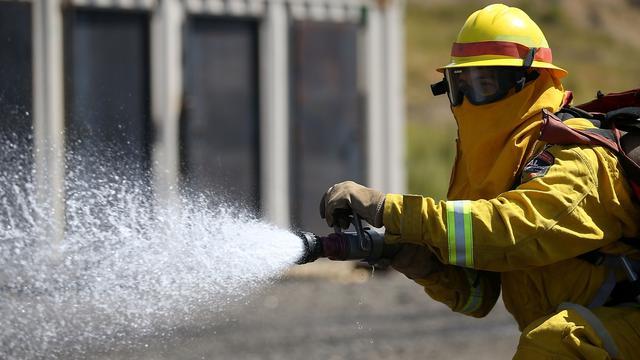 Amerikaanse tiener redt 3-jarig zusje uit brandend huis