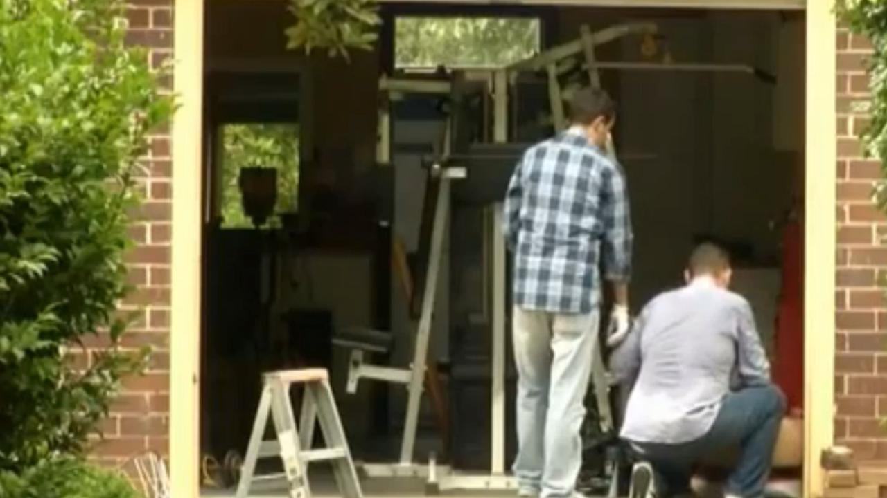 Politie valt huis 'Bitcoinbedenker' binnen