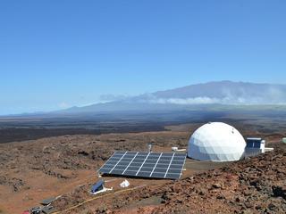 Wetenschappers verbleven jaar op helling van vulkaan