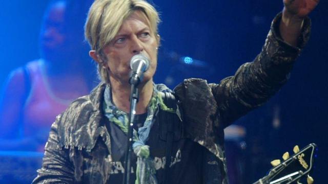 Nieuw eerbetoon aan David Bowie vanuit de Domtoren