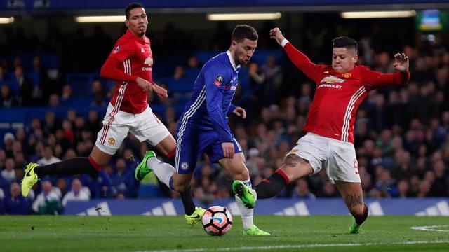 Chelsea-manager Conte hekelt fysieke tactiek van United tegen Hazard