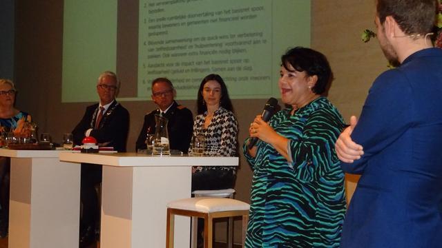Staatssecretaris Sharon Dijksma wil geen loze beloften doen