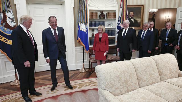 Ontslag FBI-baas Comey haalt volgens Trump druk van Rusland-onderzoek