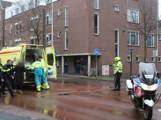 Fietser per ambulance naar ziekenhuis