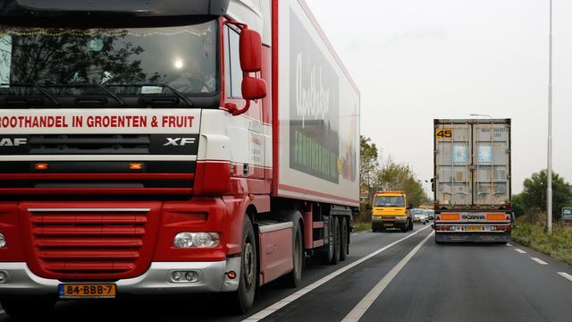 'Nederlandse truckers rijden langere routes om te besparen op tol België'