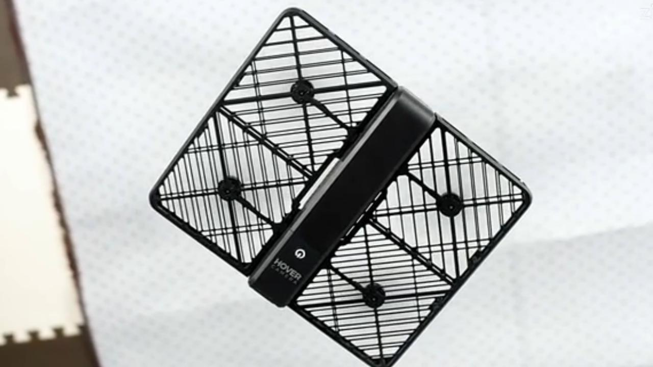Selfiedrone vliegt automatisch achter eigenaar aan