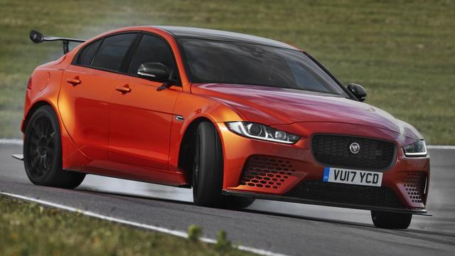 Jaguar onthult krachtigste straatauto van Britse merk ooit