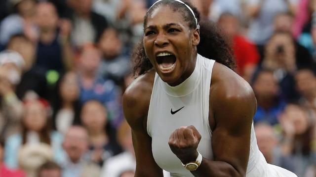 Serena Williams en Federer verder op Wimbledon, partij Djokovic afgebroken