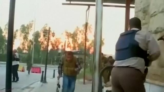 Extremisten vallen Noord-Iraakse stad aan
