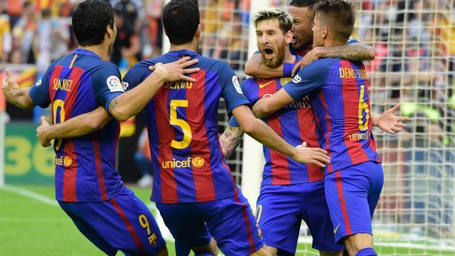 FC Barcelona wint in blessuretijd, AC Milan verslaat Juventus