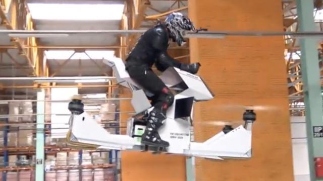 'Vliegende motorfiets' Hoversurf maakt proefvlucht