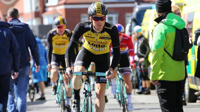 Kruijswijk jaagt met hulp van vijf Nederlanders op podium in Giro
