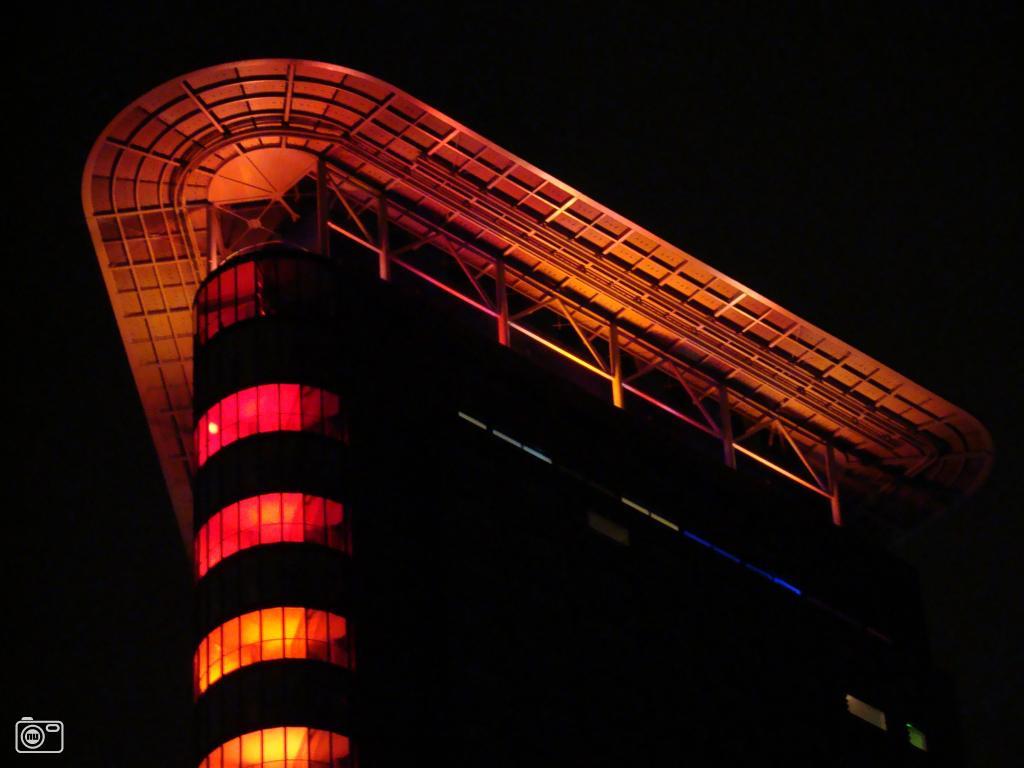 Opening van het strijkijzer in den haag foto 40230 de laatste nieuwsfoto 39 s zie je for Terras strijkijzer
