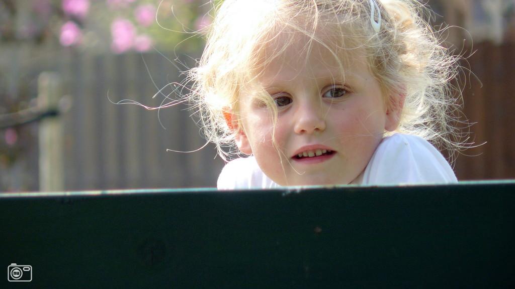 Klein meisje geniet van zomerweer in dordrecht foto 222582 de laatste nieuwsfoto 39 s - Foto slaapkamer klein meisje ...