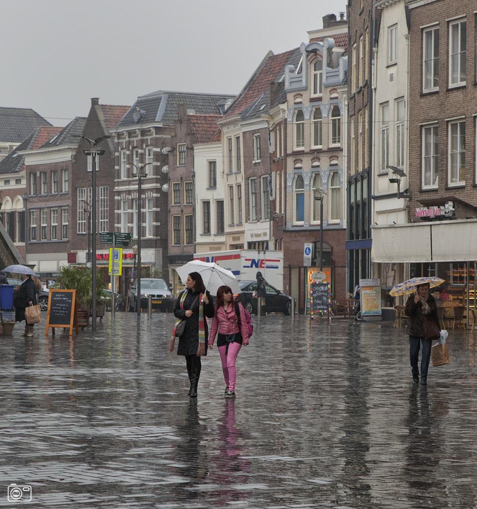 Regenachtig tafereel in zutphen foto 197696 for Buro 6 zutphen