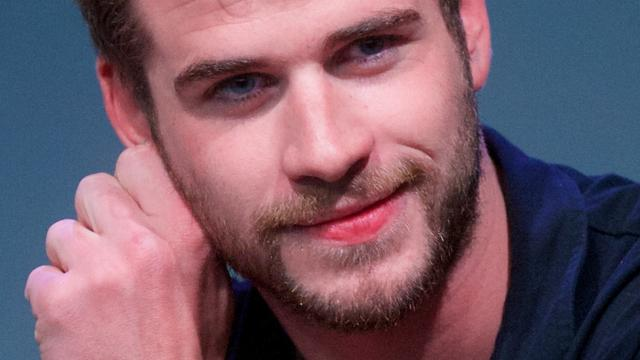 'Liam Hemsworth kust Mexicaanse actrice'