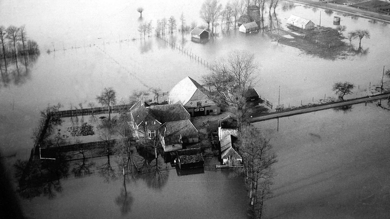 Eerste onbekende doden watersnoodramp opgegraven | NU ...