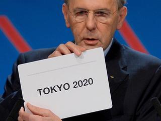 De hoofdstad van Japan krijgt op het IOC-congres in Buenos Aires de voorkeur boven Istanbul en Madrid.
