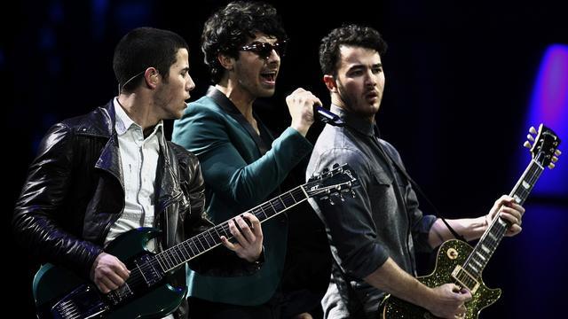 Ruziënde Jonas Brothers doeken twitteraccount op