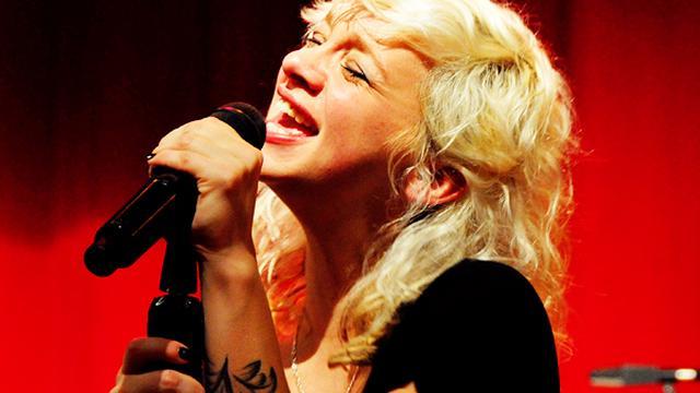 Jacqueline Govaert kondigt nieuwe liedjes en optredens aan