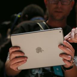 Verwijzing naar vingerafdrukscanner voor iPad Air 2 gevonden in iOS