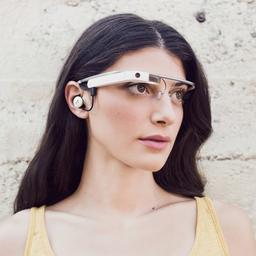Google werkt mogelijk aan 'normaler' Glass-ontwerp